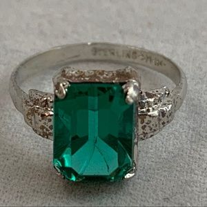 Jewelry - Dainty Vintage Crystal & Sterling Ring
